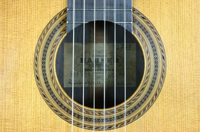 クラシックギターの材質